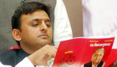 SP releases first list of candidates for 2014 Lok Sabha poll